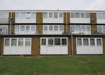 Thumbnail 1 bed flat to rent in Brammas Close, Slough