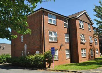 Thumbnail 2 bedroom flat for sale in Broadwater Crescent, Welwyn Garden City, Hertfordshire
