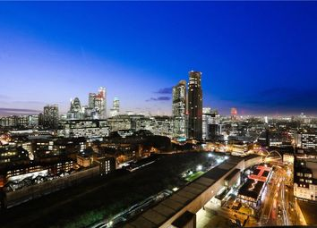 Avantgarde Tower, 1 Avantgarde Place, Shoreditch, London E1. 3 bed flat for sale