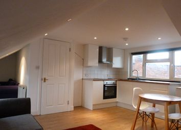 Denzil Road, London NW10. 1 bed flat