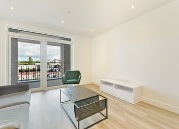 Thumbnail 1 bed flat to rent in Greenwich House, Colindale Gardens, London