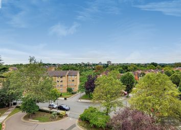 Dolphin Court, Woodlands, London NW11. 2 bed flat