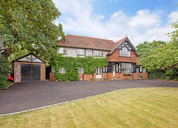 Thumbnail 4 bedroom detached house to rent in Lock Avenue, Maidenhead