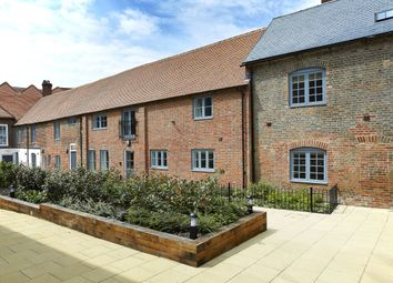 Thumbnail 2 bed flat to rent in Oxford Street, Newbury