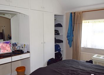 Thumbnail Room to rent in Birkbeck Way, London