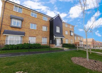 Thumbnail 2 bed flat for sale in Kestrel Way, Didcot