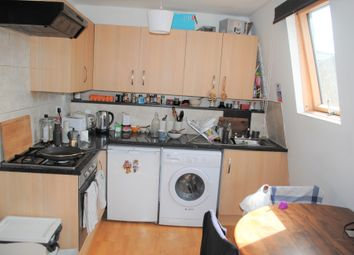 Thumbnail 2 bed flat to rent in Hackney Road, Hoxton/Hagerston