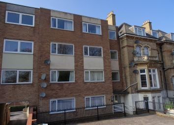 2 bed flat to rent in Trull Road, Taunton TA1