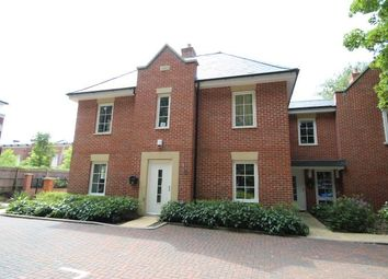 Thumbnail 2 bedroom flat to rent in Chilbolton Avenue, Winchester