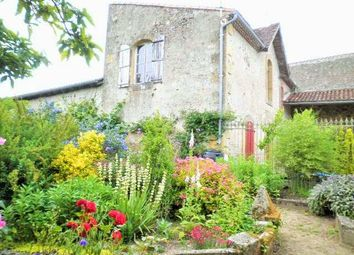 Thumbnail 6 bed property for sale in Poitou-Charentes, Vienne, Availles Limouzine