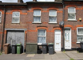 3 bed property to rent in Hartley Road, Luton LU2
