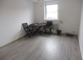 Thumbnail 2 bed flat to rent in Redhill Road, Hitchin