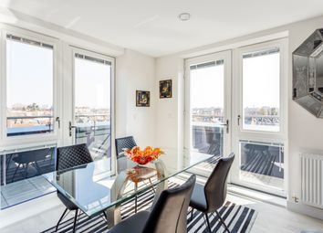Thumbnail 2 bedroom flat to rent in Colonnade Gardens, London
