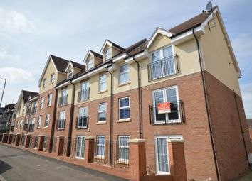 Thumbnail 2 bedroom flat to rent in Main Road, Harwich, Essex