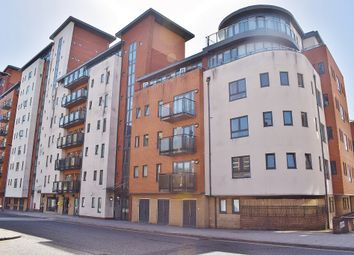2 bed flat to rent in Oceana Boulevard, Briton Street SO14