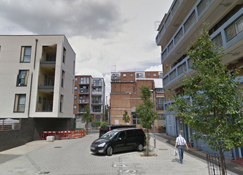 Thumbnail 3 bed flat to rent in Congreve Street, Southwark