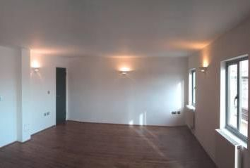 Thumbnail 3 bedroom flat to rent in Anton Street, Hackney Downs