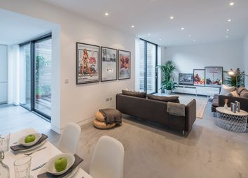 Thumbnail 2 Bed Flat To Rent In Oval Road London