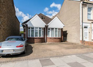 Thumbnail 3 bedroom detached house for sale in Saville Road, Romford