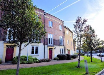 Thumbnail 2 bed flat to rent in College Close, Loughton