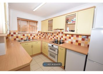 Thumbnail Room to rent in Goldfinch Close, Colchester