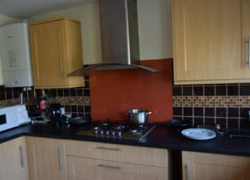 4 bed semi-detached house to rent in Taunton Avenue, Hounslow TW3