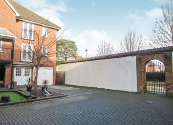3 bed town house for sale in Admiralty Way, Marchwood, Southampton SO40