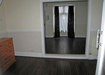 Thumbnail 2 bedroom end terrace house to rent in Claremont Avenue, Selkirk Street, Hull