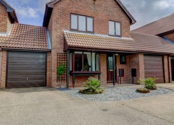 4 bed detached house for sale in Fordwich Place, Sandwich CT13