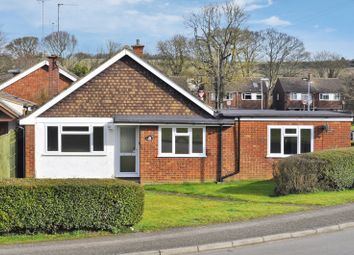 Thumbnail 3 bed bungalow to rent in Seamons Close, Dunstable