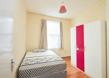 Thumbnail Room to rent in Asplins Road, London