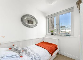 3 bed maisonette to rent in Consort Road, Peckham, London SE15