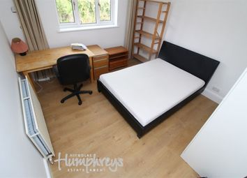 Thumbnail 4 bed property to rent in Windermere Road, Reading