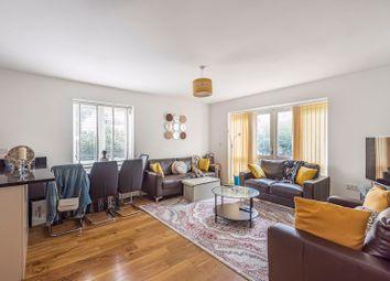 2 bed flat to rent in Lexington House, Park Lodge Avenue, West Drayton UB7