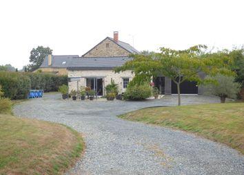 Thumbnail Farmhouse for sale in Chateauneuf Sur Sarthe, Châteauneuf-Sur-Sarthe, Segré, Maine-Et-Loire, France