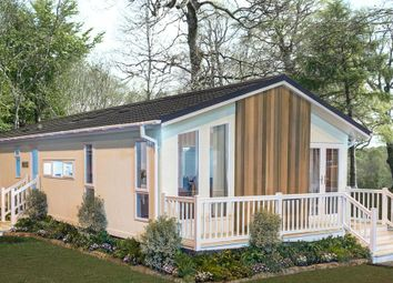 Thumbnail 2 bed mobile/park home for sale in Yarwell, Northamptonshire