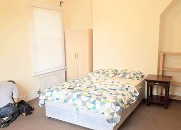 Thumbnail 1 bed flat to rent in Winthorpe Road, Putney