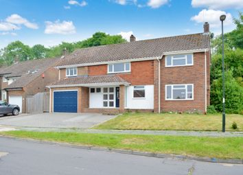4 bed terraced house for sale in Woodlands, Pound Hill RH10