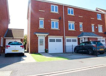 3 bed town house to rent in Acasta Way, Hull HU9