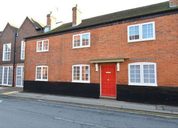 Thumbnail 2 bed flat to rent in Peach St, Wokingham