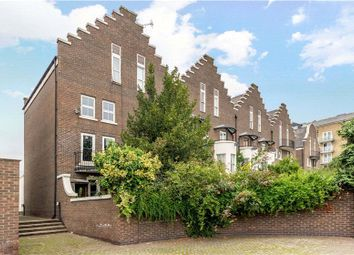 Mariners Mews, London E14. 5 bed end terrace house