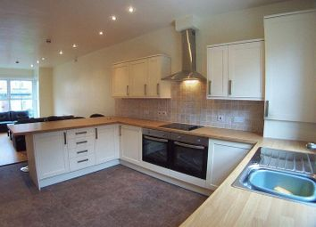 Thumbnail 8 bed terraced house to rent in Headingley Avenue, Leeds