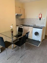 Heald Place, Rusholme, Manchester M14. 2 bed flat