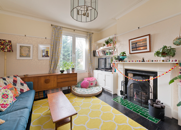 3 bed maisonette for sale in Station Road, Finchley, London N3