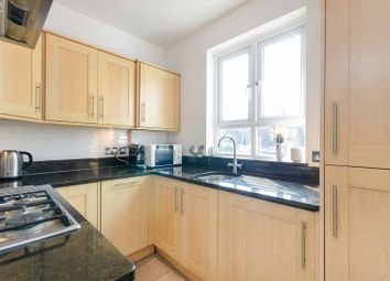 Thumbnail 2 bedroom flat to rent in Cleaveland Road, Surbiton