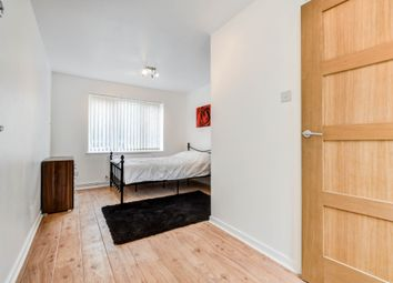 Thumbnail Room to rent in Cotton Walk, Broadfield, Crawley