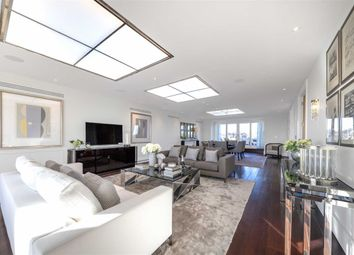 Thumbnail 3 bedroom flat for sale in Cholmeley Park, London