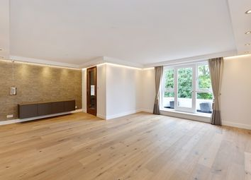 Thumbnail 3 bed flat to rent in Egerton Gardens, Knightsbridge