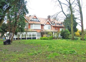 Thumbnail 2 bed flat to rent in Sunninghill, Epsom