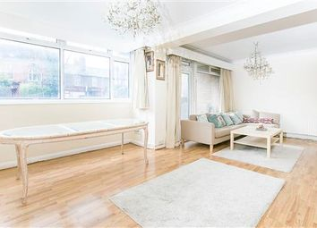 Thumbnail 3 bed flat to rent in Richmond Court, Putney, London